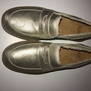 New UGG Attwater Gold Suede Slip on Loafers size 7